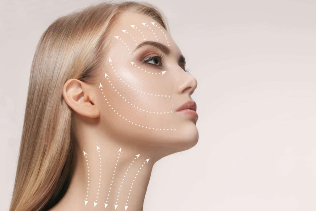 Hautnah Behandlung: Diamant-Mikrodermabrasion