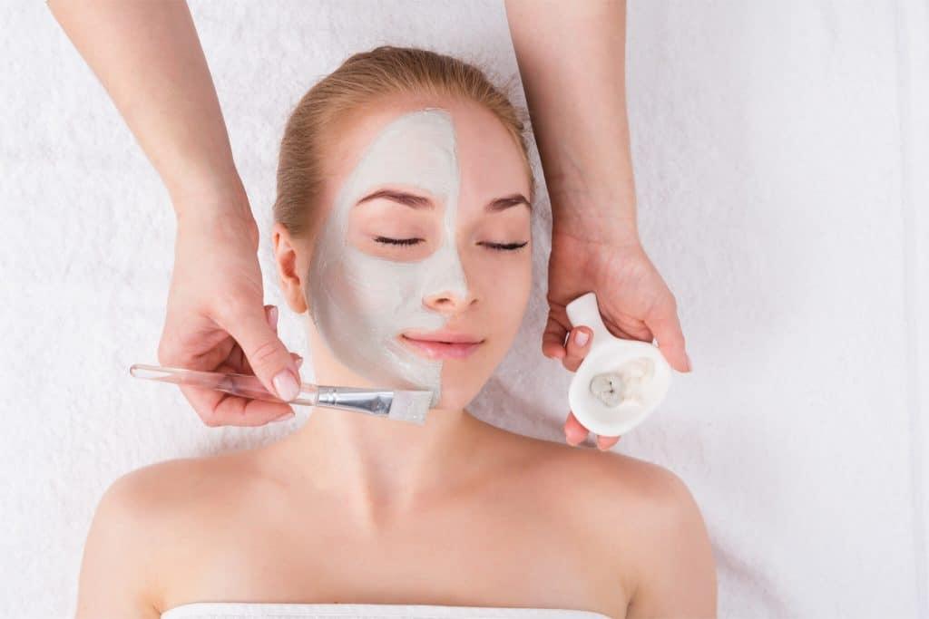 Kosmetische Behandlung für Frauen