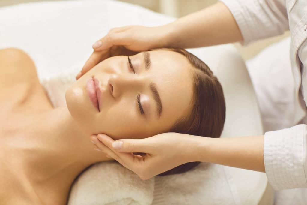 Hautnah Behandlung: Mesoporation